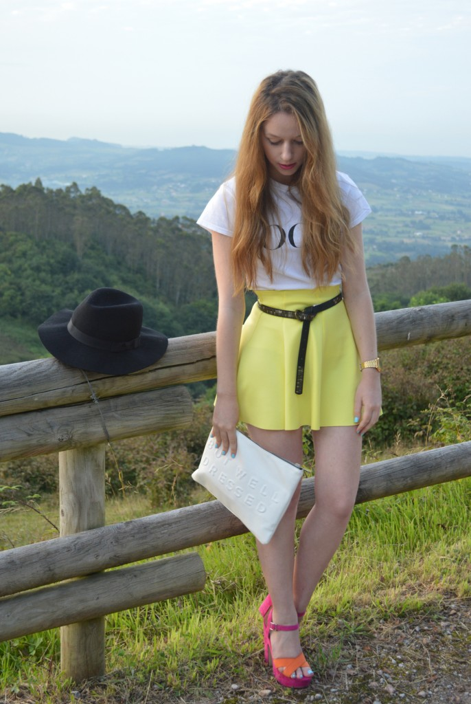 Colores complementarios en la moda, un look para dar contraste