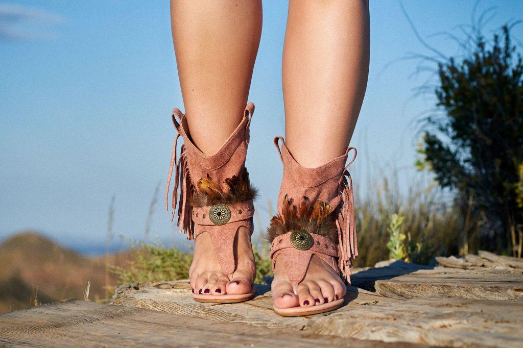 Sandalias boho chic mujer flecos