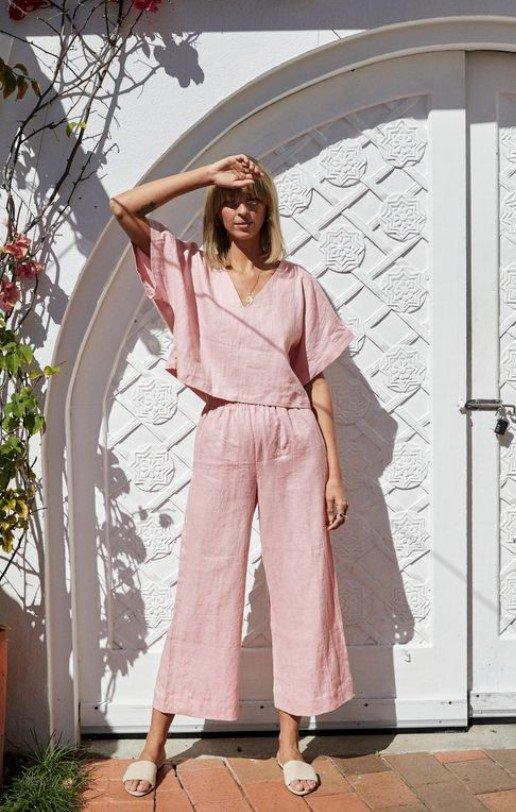 conjunto de lino con blusas y pantalones