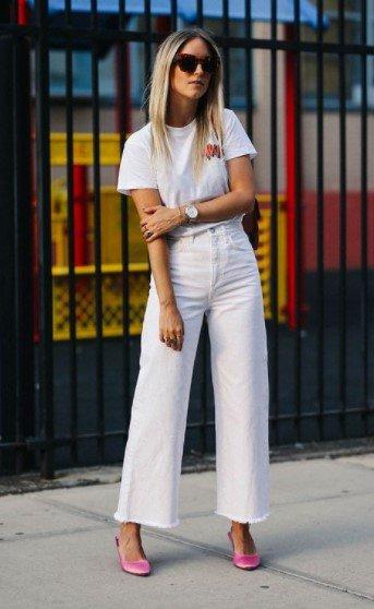 pantalones cortos con camisetas blancas