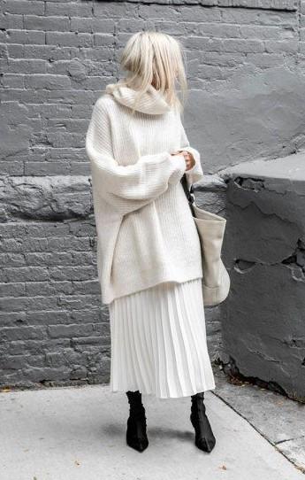 falda blanca suéter blanco