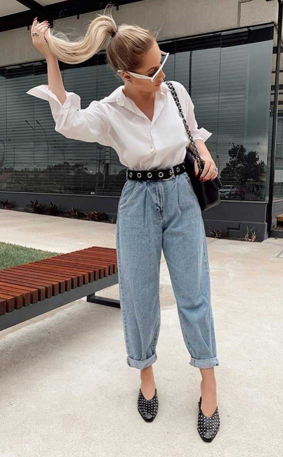 vestido elegante con jeans
