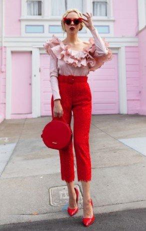 blusa pantalón roja con dibujos