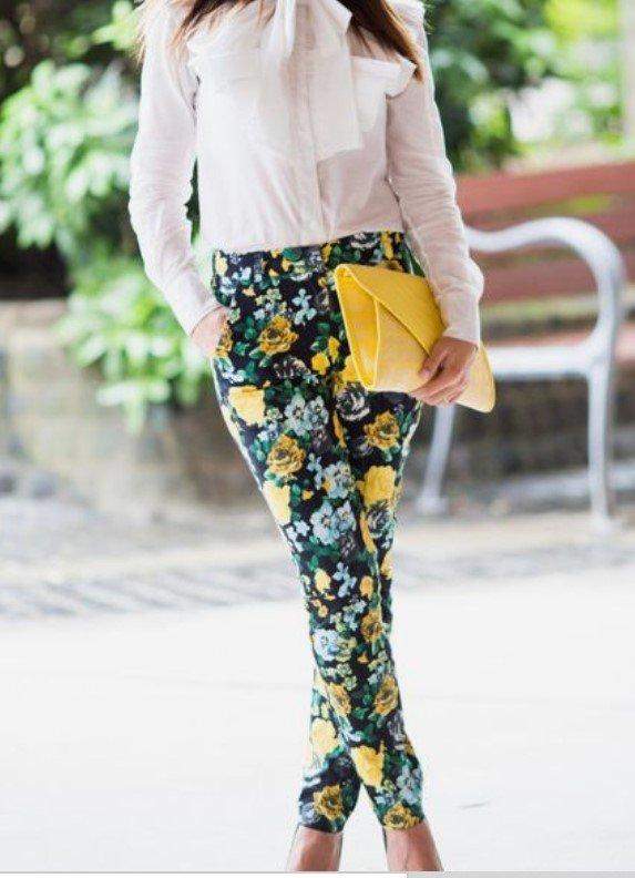 pantalones amarillos bolso amarillo