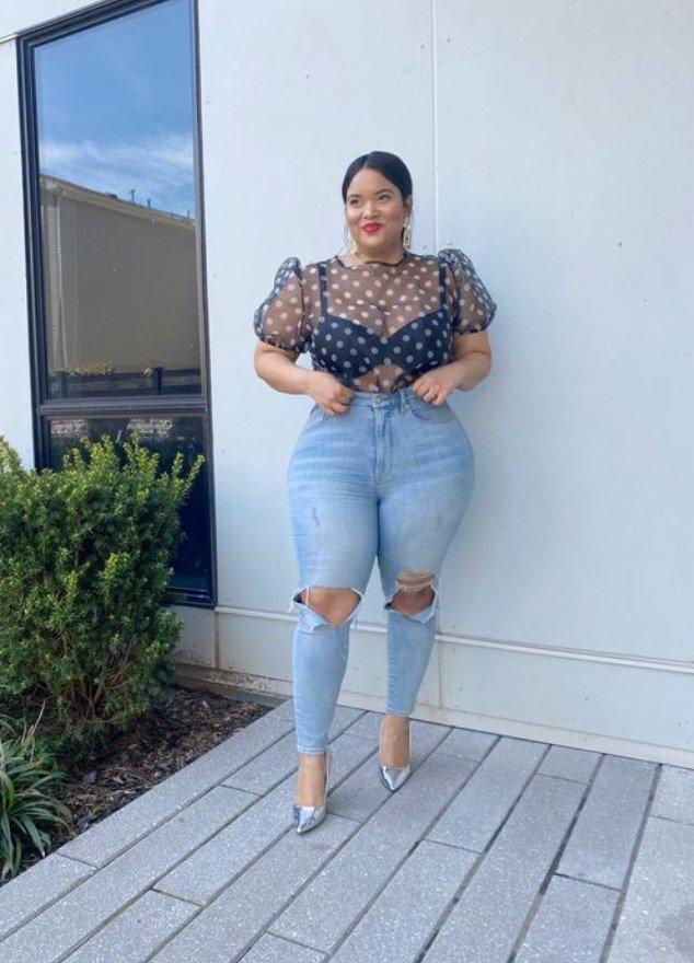 ropa de talla grande con jeans