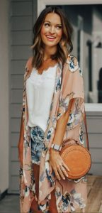 vestido romántico con kimono
