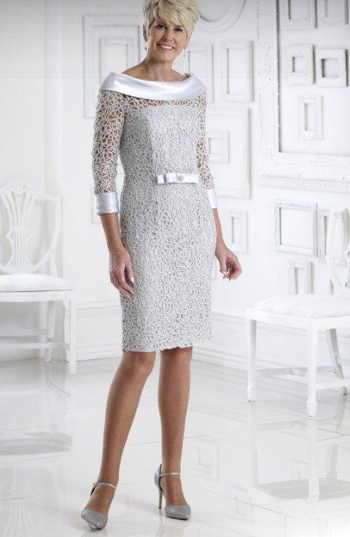 vestido para mamá novia en el ayuntamiento de encaje