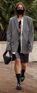 chaqueta gris oversize