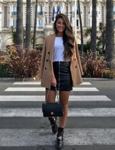abrigo con falda de cuero