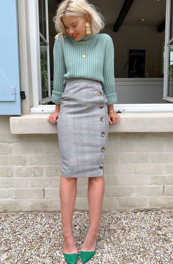 falda ajustada con suéter