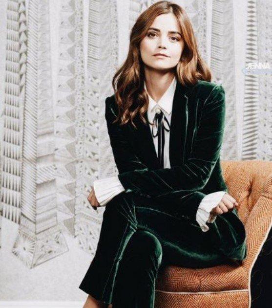 traje de terciopelo verde