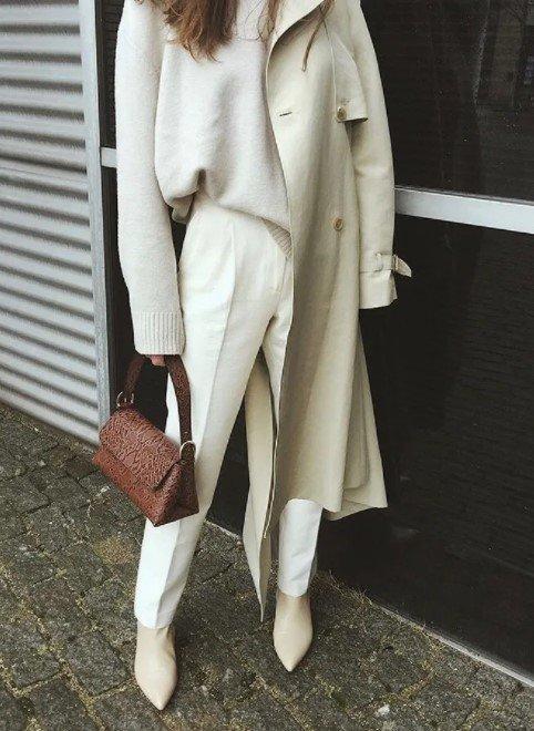 conjunto blanco con pantalón de cintura alta