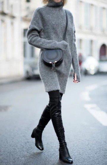 vestido de lana gris con botas altas