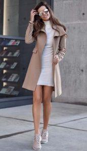 vestido corto y abrigo