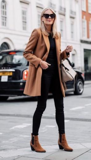 abrigo camel con bota