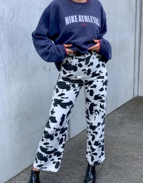 pantalones sudadera con estampado de vaca