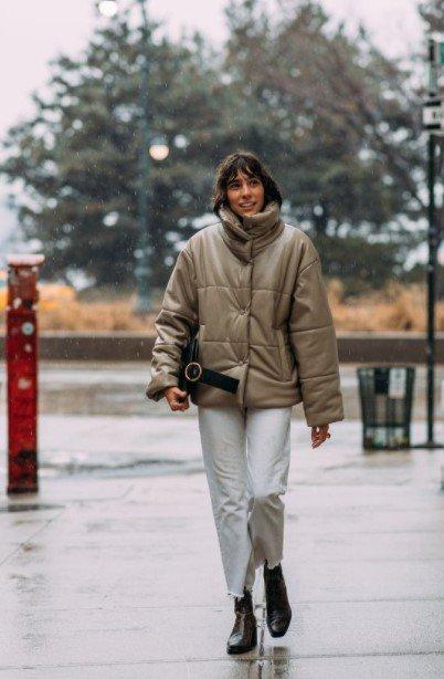 chaqueta de cuero inflable beige