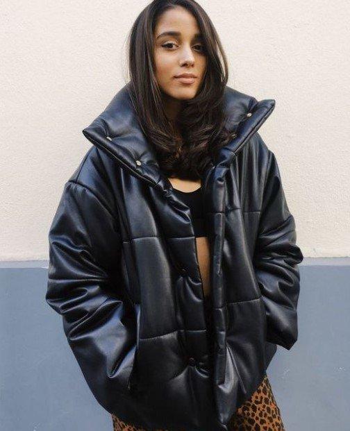chaqueta acolchada de cuero negro