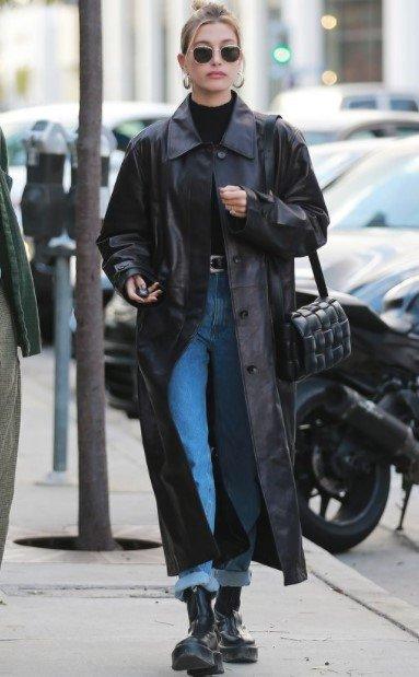chaqueta de cuero larga negra