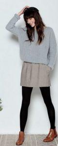 falda con combinación de botas