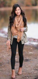 leggings con bota marrón