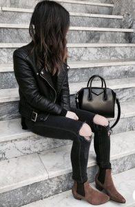 vestido negro bota marrón