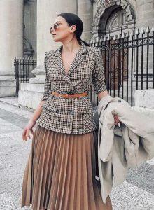 ropa de mujer con falda y chaqueta