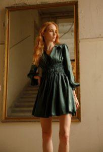 vestido de seda verde