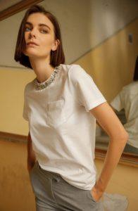 camiseta blanca pedrería zini invierno 2021