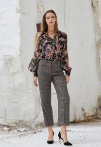 pantalones blusa estampada gris a cuadros