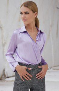 camisa de seda lila