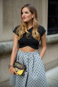 falda de lunares blusa negra