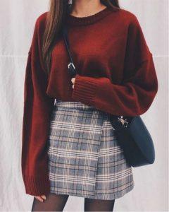 falda tipo suéter a cuadros burdeos