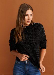 suéter negro con botones