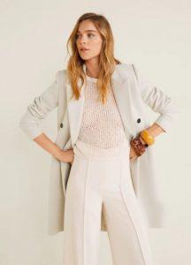 abrigo de lana beige con botones