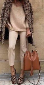 abrigo de leopardo zapatos beige ropa