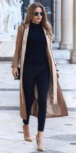 abrigo beige conjunto de ropa negro