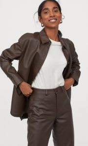 camisa de mujer de cuero marrón