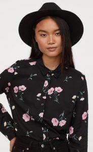 Camisa mujer negra floral h & m invierno 2020