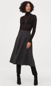 falda de invierno en una línea ancha