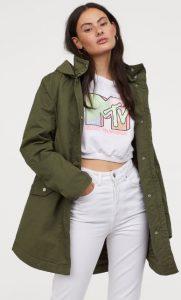 chaqueta parka de color caqui para mujer