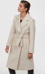 abrigo de mujer blanco h & m 2020