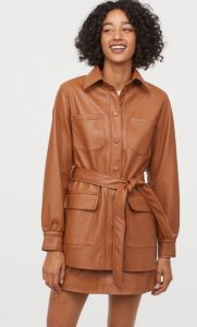 abrigo de cuero marrón para mujer