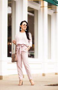 pantalones de cintura alta de color rosa tipo de cuerpo