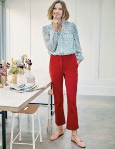 pantalones cortos rojos de campana