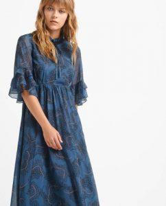 vestido largo de mujer con translucidez