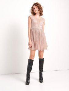 vestido corto con hilo metalizado