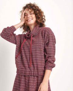 blusa a cuadros de moda con capucha