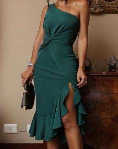 vestido verde ruptura de un hombro
