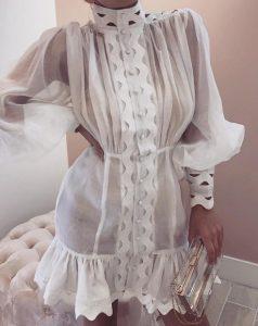 mini vestido deslizante de manga larga